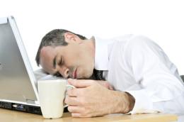 Da hilft auch kein Kaffee mehr: Bis ein Blog richtig läuft, ist viel persönlicher Einsatz gefragt.