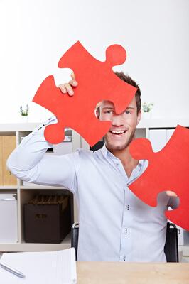 Viele kleine Teile ergeben am Ende ein großes Ganzes: Für eine erfolgreiche Werbekunden-Akquise braucht Ihr viel Geduld, Fleiß und letztendlich auch etwas Glück. Foto: panthermedia.net / Robert Kneschke
