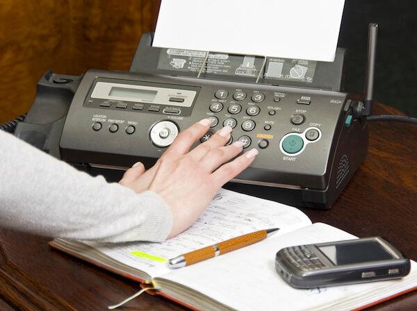 Faxgerät für die .hu-Domain zwingend erforderlich