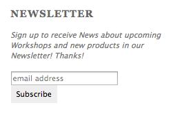 Bloß kein Schnickschnack und nicht zu viele Daten: Die Abo-Box für den Newsletter sollte gut sichtbar platziert sein, das Eintragen einfach und schnell gehen - je weniger Daten die Nutzer preisgeben müssen, desto eher werden sie Abonnent. Screenshot: checkdomain.de